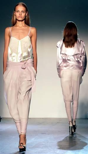 080911-fashion-week-harem-4pwidec